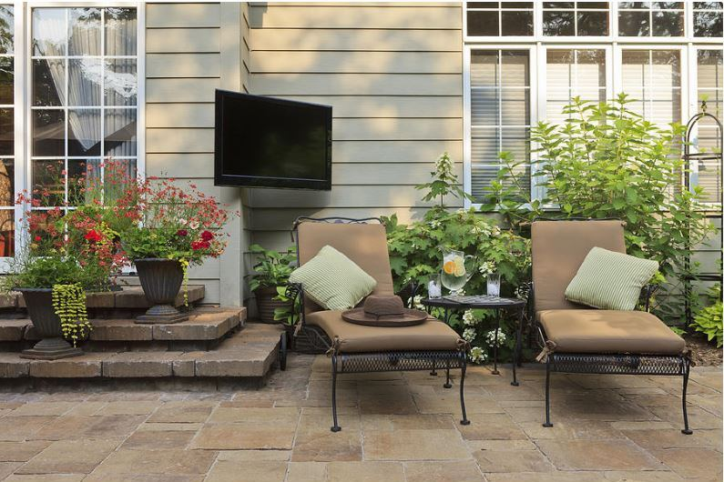 design tips to patio living to the southern outdoor oasis